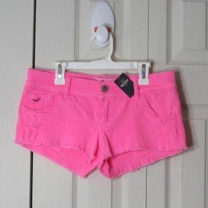 Hollister Low-Rise Jean Shortie Neon Pink